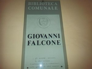 Biblioteca Falcone (Custom)