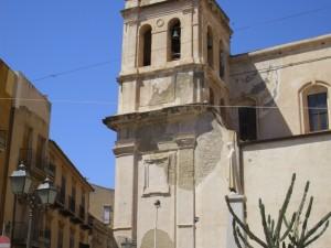 Il prospetto esterno della Chiesa madre